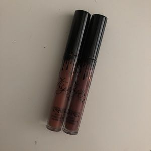 Kylie cosmetics lip kit & fan brush.
